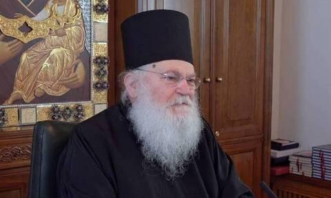 Κορονοϊός: Διασωληνώθηκε ο ηγούμενος της Μονής Βατοπεδίου, Εφραίμ