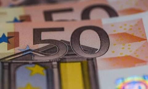 Στα 2,3 δισ. ευρώ μειώθηκαν τα «φέσια» του Δημοσίου τον Απρίλιο