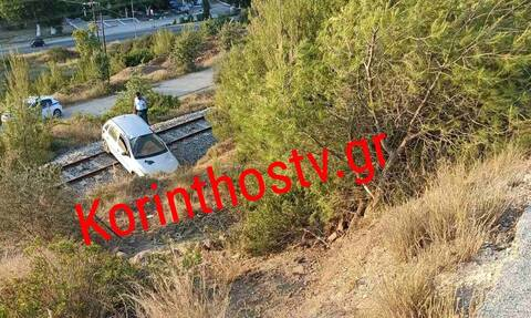 Απίστευτες εικόνες στην Κόρινθο: Αυτοκίνητο έπεσε από ύψος 20 μέτρων