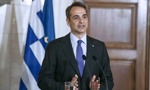 PM Mitsotakis chairs meeting on evaluation of proposals for Greek Navy's 4 new frigates