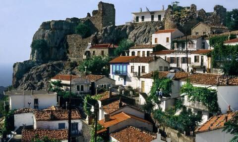 Το ελληνικό νησί με τους δύο διαφορετικούς κόσμους