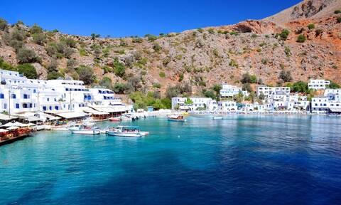 Το χωριό με τις μυστικές παραλίες! (pics)