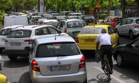 Κίνηση ΤΩΡΑ: Μποτιλιάρισμα σε αρκετούς δρόμους – Ποιους να αποφύγετε – Δείτε χάρτη