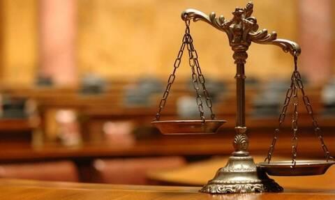 Ένωση δικαστών και εισαγγελέων κατά Μπαλάσκα: «Ανεύθυνη χυδαιότητα» τα περί ευθύνης της Δικαιοσύνης