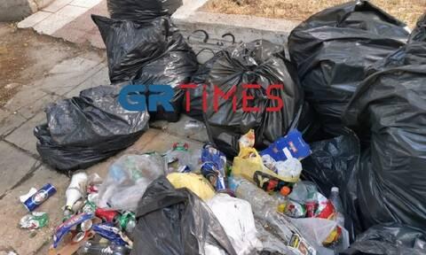 Θεσσαλονίκη: Σκουπιδότοπος το ΑΠΘ μετά το κορονο-πάρτι του Σαββάτου