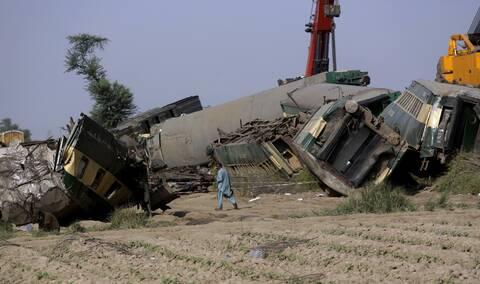 Πακιστάν: 63 οι νεκροί από την σιδηροδρομική τραγωδία στην επαρχία Σίντ