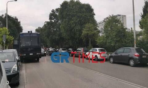 Θεσσαλονίκη: Περιμετρικά του ΑΠΘ αστυνομικές δυνάμεις μετά τα κορονοπάρτι