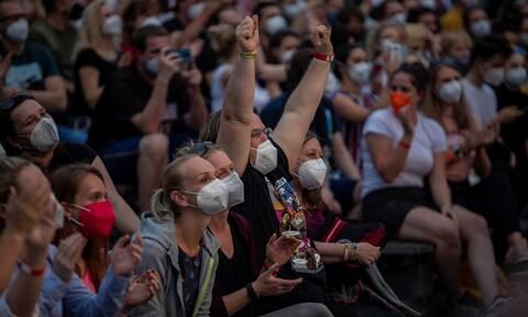 Συναυλίες σε κλειστούς χώρους με rapid-test: Τι έδειξε μελέτη για την ασφάλεια του κοινού