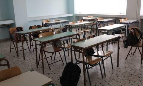 Πότε τελειώνουν τα μαθήματα στα σχολεία – Τι ανακοίνωσε το υπουργείο Παιδείας