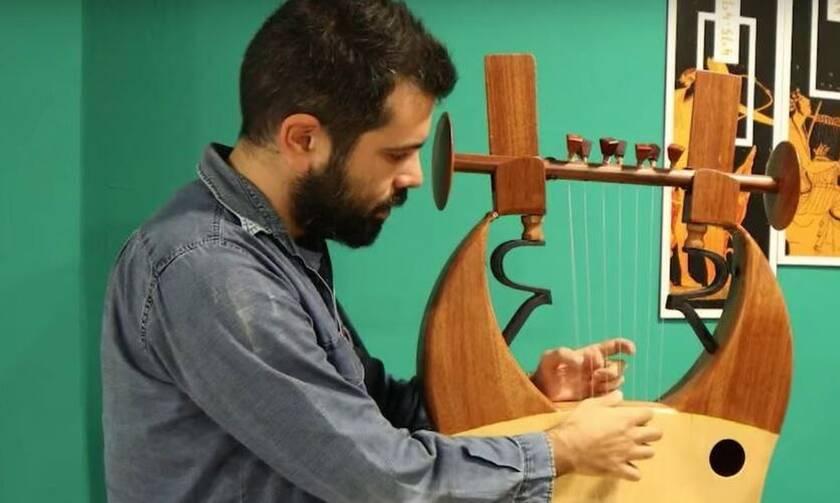 Θεόδωρος Κουμαρτζής: Ο μουσικός που έφερε την αρχαία λύρα στα video games μιλά στο Newsbomb.gr
