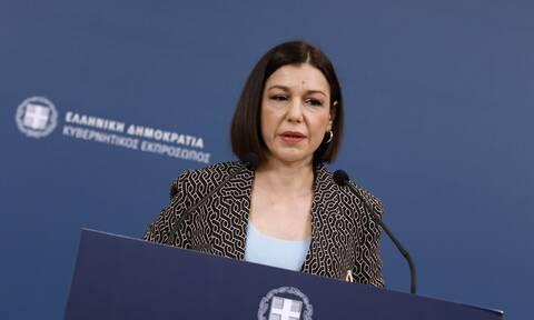 Πελώνη: Δεν τίθεται ζήτημα απόλυσης εργαζομένου αν δεν εμβολιαστεί