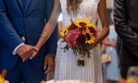 Απίθανο σκηνικό σε γάμο - Έτρεχε να... σωθεί μόλις έπιασε την ανθοδέσμη (pics)