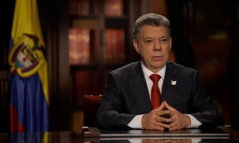 Κολομβία: Ο τέως πρόεδρος Χουάν Μανουέλ Σάντος παραδέχθηκε πως ο στρατός δολοφόνησε χιλιάδες αμάχους