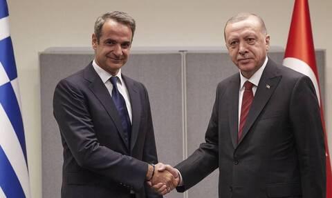 Σύνοδος ΝΑΤΟ: Τα μηνύματα Μητσοτάκη στο τετ-α-τετ με τον Ερντογάν