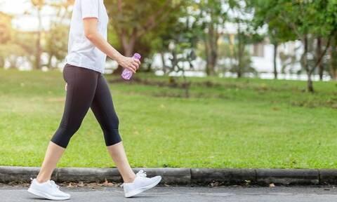 Mπορεί τελικά το περπάτημα να σε βοηθήσει να χάσεις κιλά;