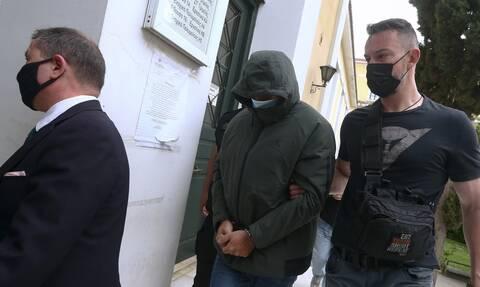 Καθημερινή ραδιοφωνική εκπομπή προαναγγέλλει από τη φυλακή ο Μένιος Φουρθιώτης