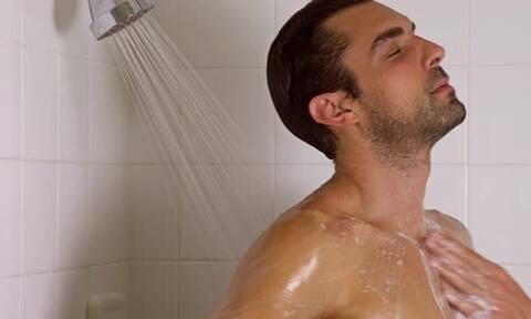 Mπάνιο: Καλύτερα το πρωί ή το βράδυ;