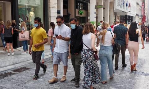 Ρεπορτάζ Newsbomb.gr: Για καφέ και ψώνια οι Αθηναίοι – Χαμός στο κέντρο της Αθήνας