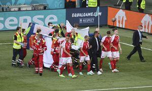 Euro 2020: Η ανατριχιαστική στιγμή της κατάρρευσης του Κρίστιαν Έρικσεν στον αγώνα Δανία - Φινλανδία