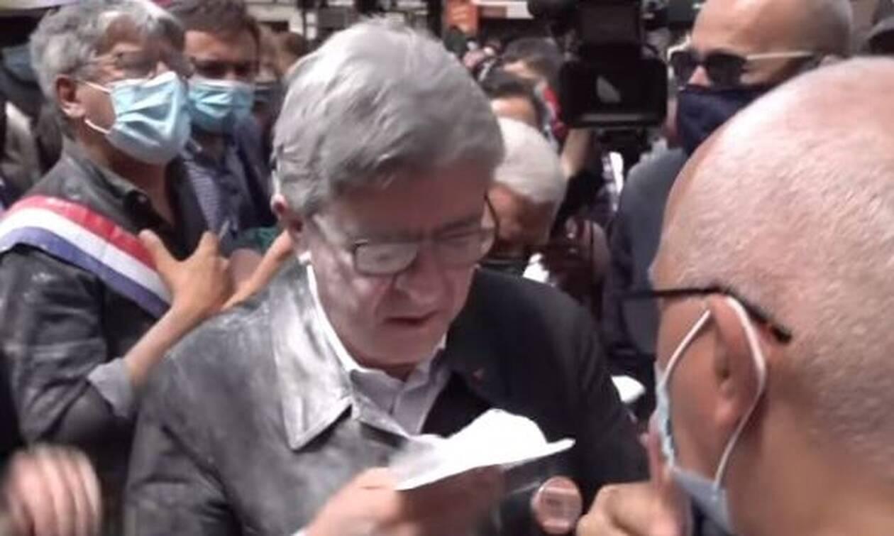Γαλλία: Πέταξαν αλεύρι στον Ζαν-Λικ Μελανσόν (vid)