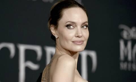 Η Angelina Jolie στο σπίτι του πρώην της - Φωτογραφίες που την «καίνε»