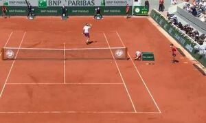 Τζόκοβιτς - Τσιτσιπάς LIVE: Πέφτουν... κορμιά στον τελικό του Roland Garros! (vids)