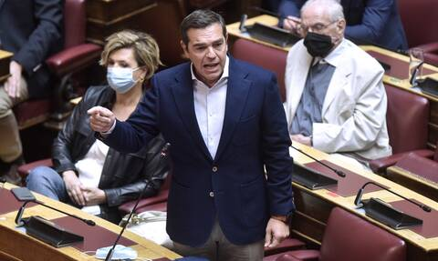 Στο «σκληρό ροκ» ποντάρει ο ΣΥΡΙΖΑ -  Ο Τσίπρας περνάει στην αντεπίθεση