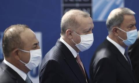 Σύνοδος NATO: Συνάντηση Ερντογάν- Μακρόν στις Βρυξέλλες