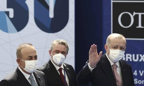 Σύνοδος ΝΑΤΟ: Συναντήσεις Ερντογάν με Εμανουέλ Μακρόν και Μπόρις Τζόνσον