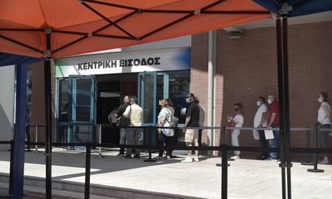 Βατόπουλος στο Newsbomb.gr: Χρειάζεται τείχος ανοσίας - Προσοχή σε όσους κάνουν διαφορετικό σκεύασμα
