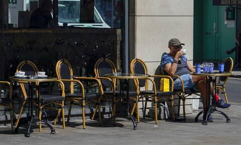 Βρετανία: Ένα μήνα μακριά η χαλάρωση των μέτρων - Αυξήθηκαν τα κρούσματα λόγω της παραλλαγής Δέλτα