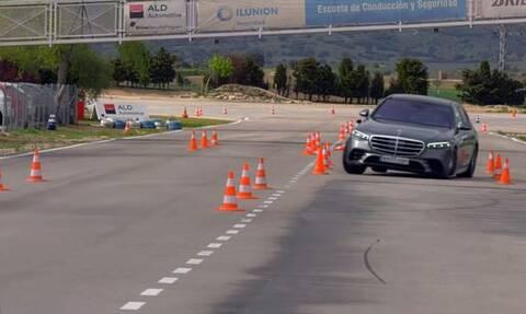 Η Mercedes S-Class τα πήγε περίφημα στο τεστ ταράνδου