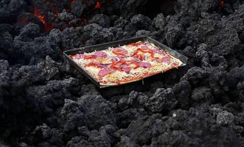 Αδιανόητο: Ψήνουν πίτσες σε ηφαίστειο!