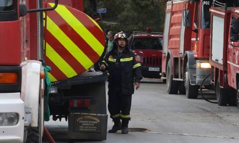 Φωτιά στον Απρόπυργο – Ισχυρές πυροσβεστικές δυνάμεις στην περιοχή