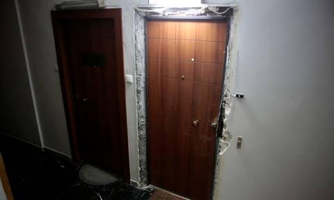 Εξάρχεια: Δύο συλλήψεις για τη διάρρηξη στο γραφείο του Τσακαλώτου