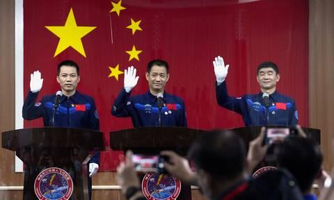 Η Κίνα εκτοξεύει επανδρωμένη αποστολή στον διαστημικό της σταθμό την Πέμπτη