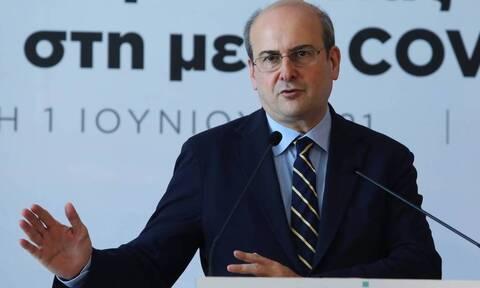 Χατζηδάκης: To εργασιακό νομοσχέδιο είναι υπέρ των εργαζόμενων Τι είπε για το8ωρο & τις απολύσεις