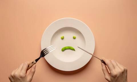 8 σημάδια ότι μπορεί να πάσχετε από διατροφική διαταραχή (video)