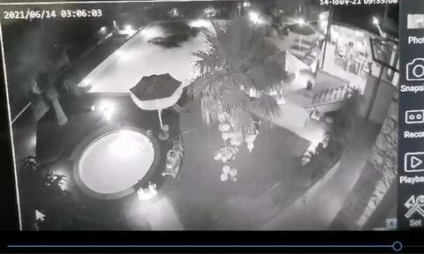 Βίντεο-ντοκουμέντο: Η στιγμή που ρίχνουν πίσσα σε πισίνα στην Κρήτη!