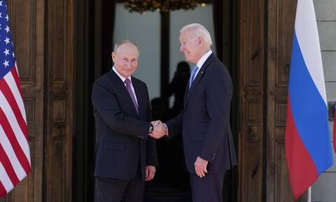Συνάντηση Μπάιντεν- Πούτιν: Επεισόδιο μεταξύ Αμερικανών και Ρώσων δημοσιογράφων