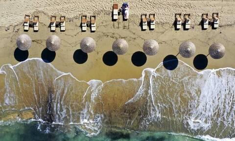 ΟΑΕΔ - Κοινωνικός τουρισμός 2021: Λήγει η προθεσμία - Ποιοι θα κάνουν δωρεάν διακοπές