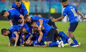 Euro 2020: Mamma Mia! Πήρε την πρόκριση η Ιταλία με πρωταγωνιστή τον Λοκατέλι