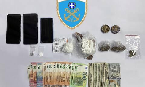 Τρεις συλλήψεις αλλοδαπών για ναρκωτικά σε Ραφήνα και Μύκονο
