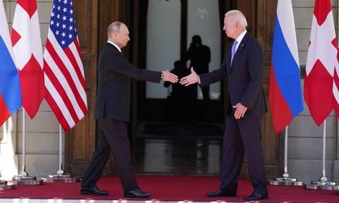 Ρωσία: Οι συνομιλίες Μπάιντεν-Πούτιν εξελίχθηκαν περίπου «όπως αναμένονταν»