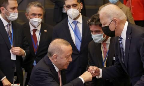 Toυρκία: Οργή για την «κωλοτούμπα» Ερντογάν - Γιατί επικρίνουν τον «σουλτάνο» για ηττοπάθεια