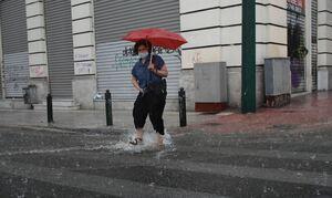 Καιρός σήμερα: Βροχές και χαλάζι τις επόμενες ώρες -  Δείτε σε ποιες περιοχές (ΧΑΡΤΕΣ)
