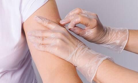 Επηρεάζει ο εμβολιασμός έναντι του COVID-19 την περίοδο;