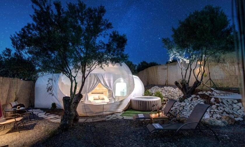 Bubble Tents: Με θέα τα αστέρια των Μουδανιών - Η... φούσκα αναψυχής που έγινε viral