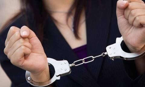 Θεσσαλονίκη: Συνελήφθη 37χρονη που αποσπούσε χρήματα προσποιούμενη τη χρηματίστηρια