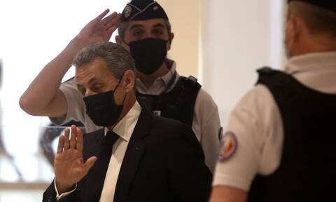 Γαλλία: Έξι μήνες φυλάκιση ζητούν οι εισαγγελείς για τον Νικολά Σαρκοζί